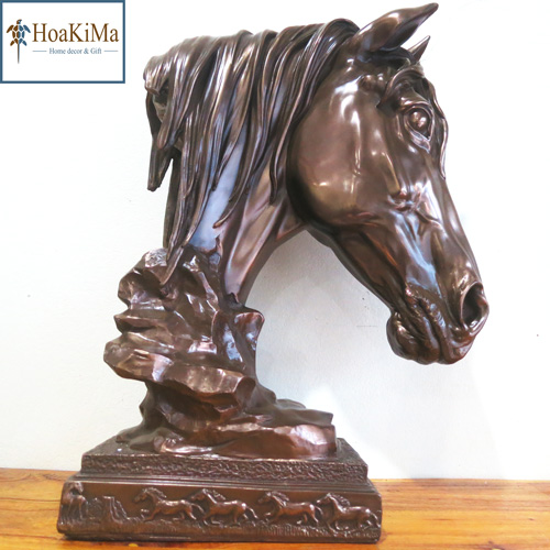 Đầu ngựa lớn trang trí