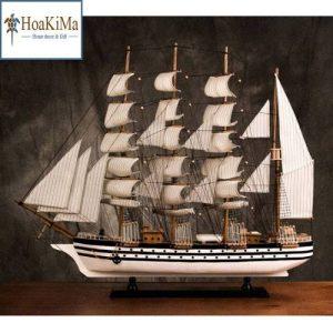 Thuyền buồm trang trí lớn