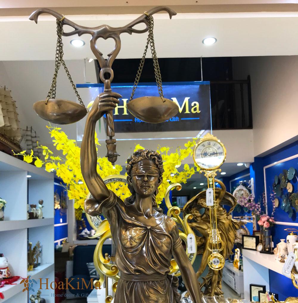 Mua tượng nữ thần công lý
